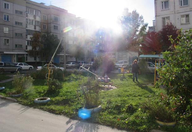 Родной двор в Южно-Сахалинске